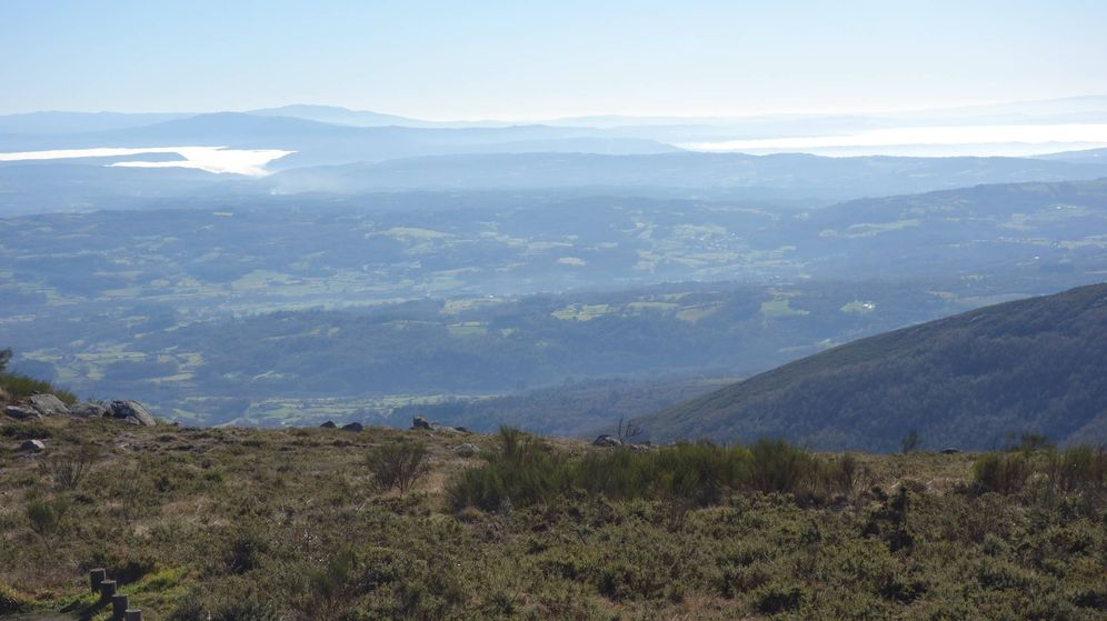 Foto: Vista general de un monte en Ourense. (Wikimedia Commons)
