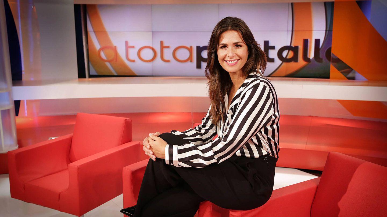 Nuria Roca, en el plató de 'A tota pantalla'. (Jordi Play/CCMA)