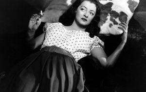 Bette Davis, 25 años sin la gata que siempre caía de pie