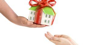 Post de ¿Se puede donar a un hijo una vivienda y la hipoteca que recae sobre ella?