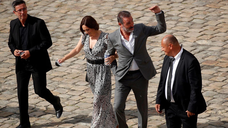 El actor Jean Dujardin y su mujer,  Nathalie Péchalat. (EFE)