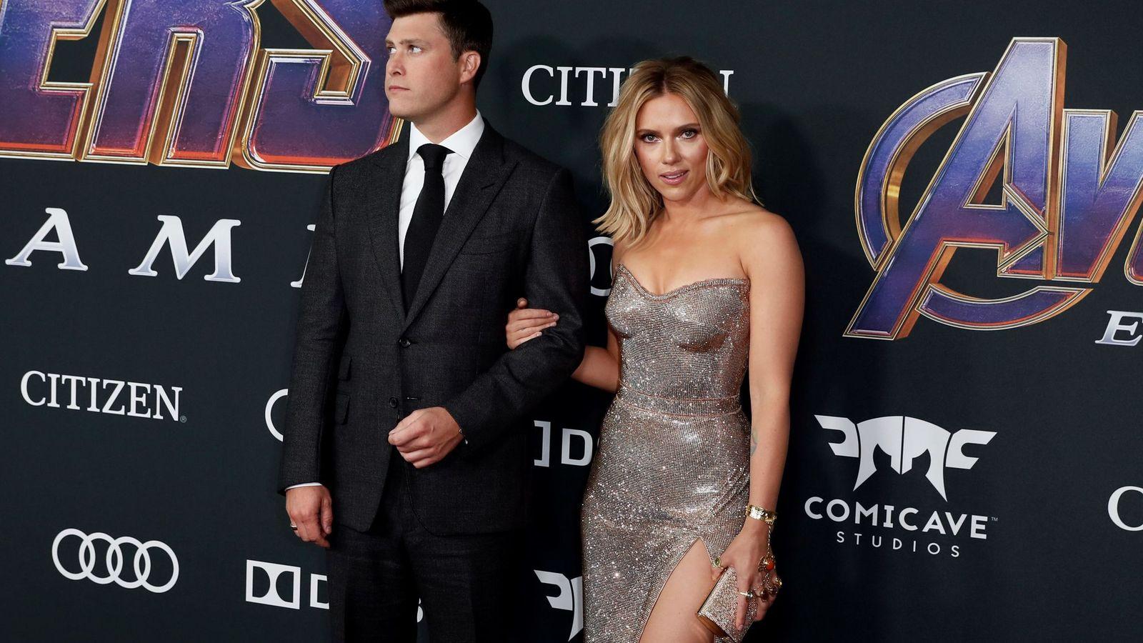 Foto:  Colin Jost y Scarlett Johansson. (EFE)