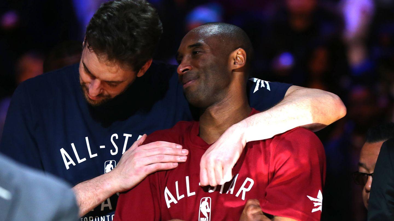 Pau y Kobe. (Getty)