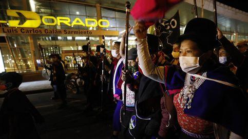 Indígenas protestan en Bogotá por la paz
