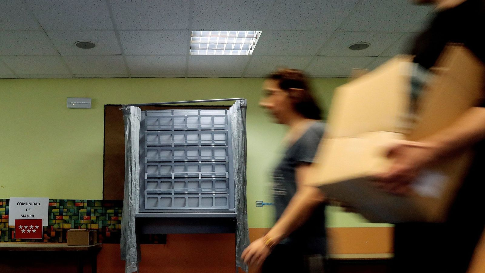 Foto: Colegio electoral en Madrid en las últimas elecciones generales. (EFE)