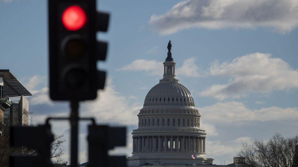 El Congreso estrecha el cerco a Trump: pide documentos a su entorno cercano
