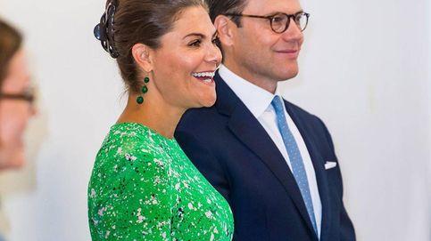 Victoria de Suecia es la reina del reciclaje y estos son los looks que lo prueban