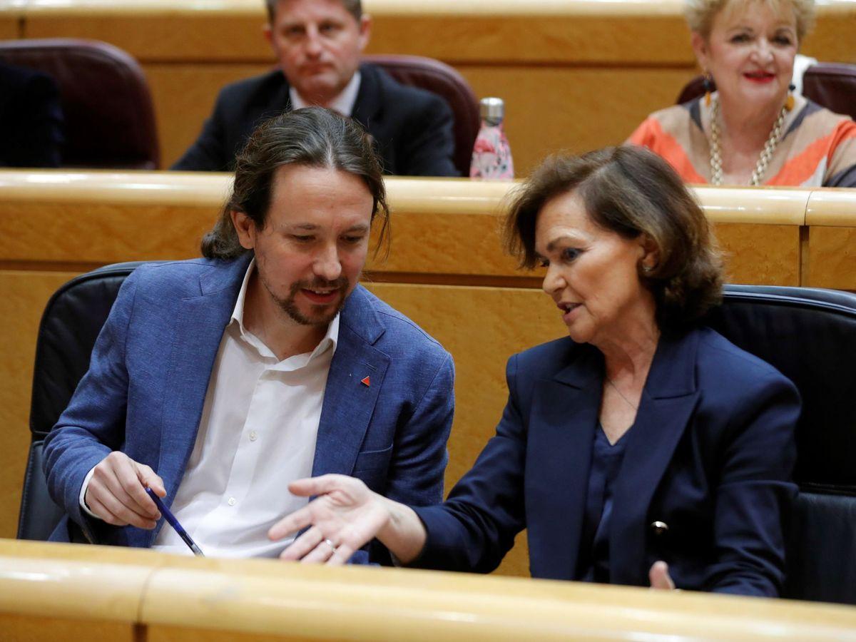 Foto: Los vicepresidentes Carmen Calvo y Pablo Iglesias, el pasado 3 de marzo en el pleno del Senado. (EFE)
