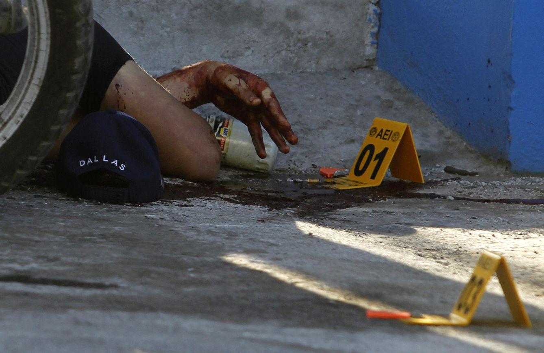 Foto: El cuerpo de una víctima del crimen organizado en Guadalupe, en una imagen de archivo (Reuters)