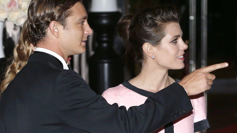 Carlota junto a su hermano Pierre (Efe)