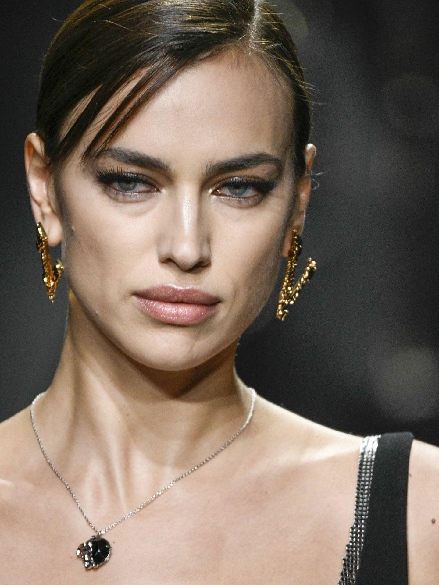 Irina Shayk, en el desfile de Versace. (Getty)