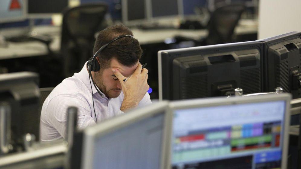 Foto: Preocupación en un 'trader'. (Reuters)