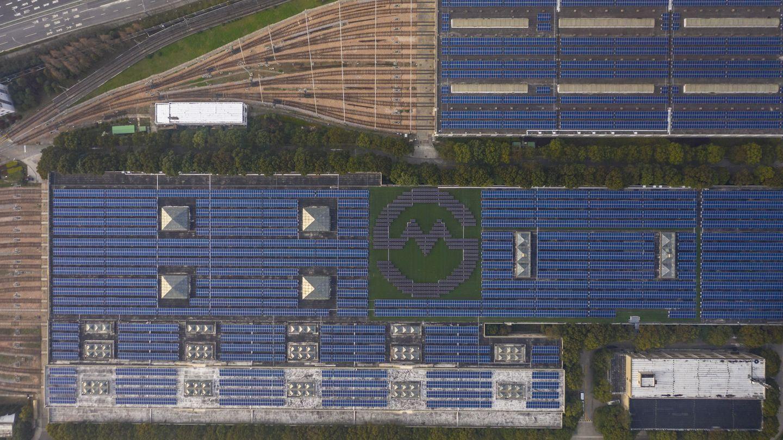 Vista aérea de una 'plantación' de paneles solares en Shanghai. (Reuters)