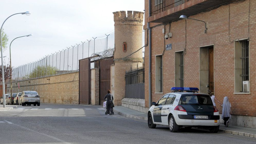 Foto: La fachada del módulo I del centro penitenciario de Ocaña, donde hay cinco positivos. (EFE)