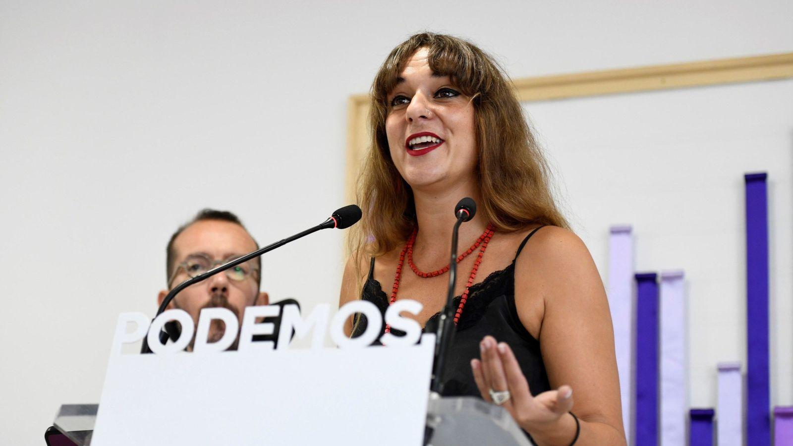 Foto: Los portavoces de Podemos Noelia Vera y Pablo Echenique, durante la rueda de prensa posterior a la reunión de la ejecutiva de la formación con la que abre el nuevo curso político. (EFE)