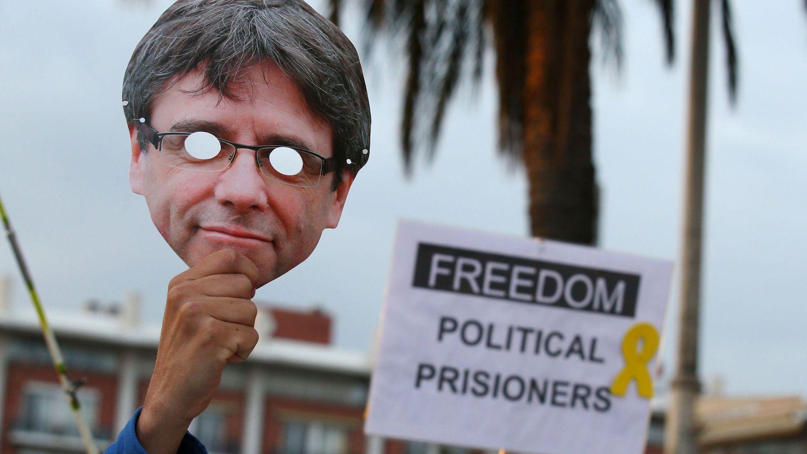 Foto: Manifestación a favor del 'expresident' Puigdemont. (Reuters)