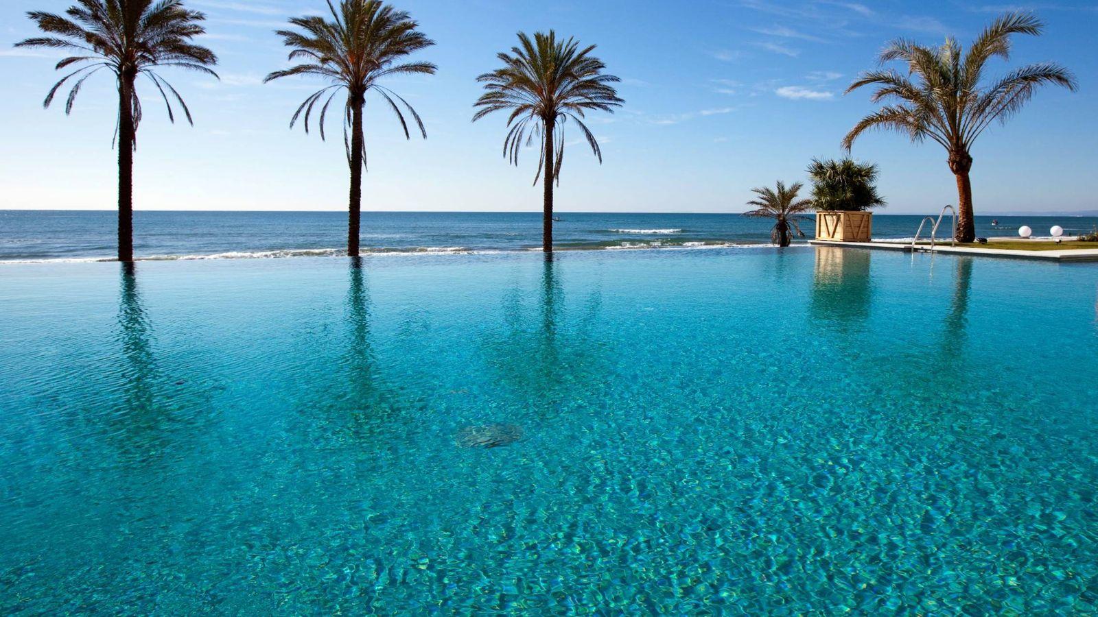 Foto: La piscina infinita del Beach Club Estrella del Mar, en Marbella. (Cortesía)
