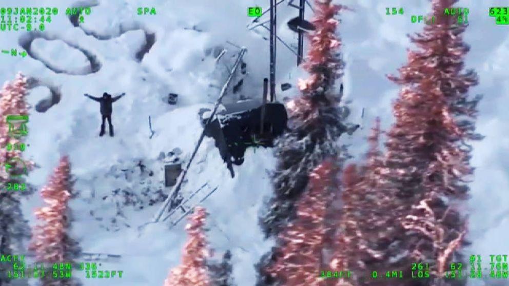 Rescatan en Alaska a un hombre que llevaba 20 días atrapado en la nieve