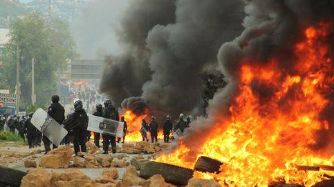 Las violentas protestas entre profesores y policía en México, en imágenes