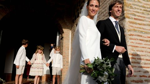 Resuelto el misterio: la marca que ha firmado los vestidos de Amelia Millán y Myriam Lapique