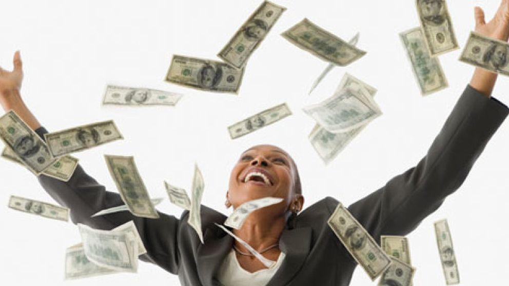 Coches, casas de lujo y jacuzzis o los beneficios laborales de ganar la lotería