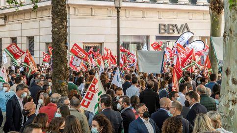BBVA mejora su ERE para 3.331 empleados tras la presión sindical