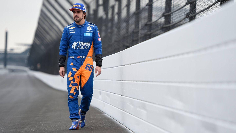 Fernando Alonso en el óvalo de Indianápolis. (@McLarenIndy)