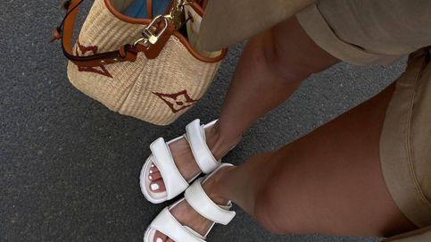 Acolchadas, con tiras y suela gruesa, así son las nuevas 'dad sandals' que aman las insiders
