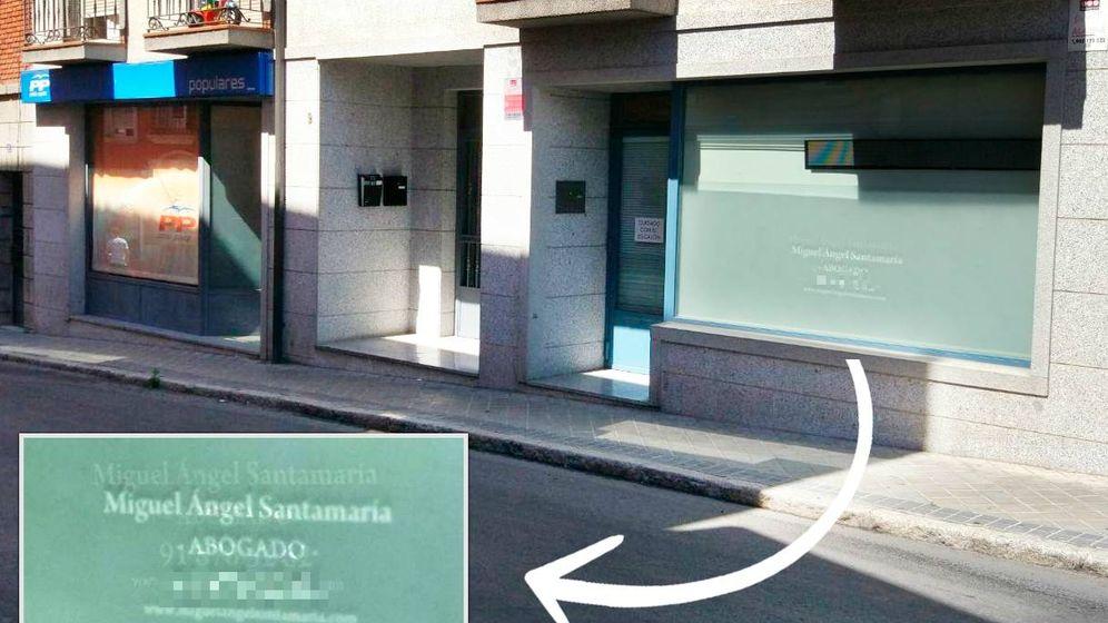 Foto:  El edificio con los dos locales: a la izquierda, la sede del PP y a la derecha, el bufete del exalcalde.
