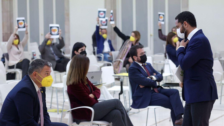 Diputados de ERC, Junts, CUP y los comunes dejan el pleno durante la intervención de Vox