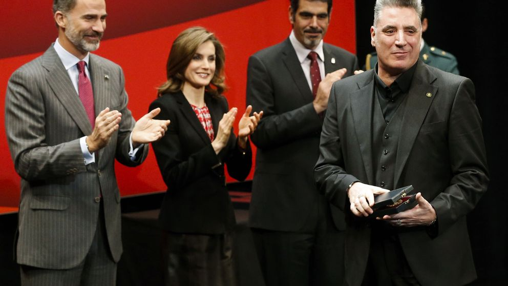 El zasca de Loquillo al ministro Méndez de Vigo