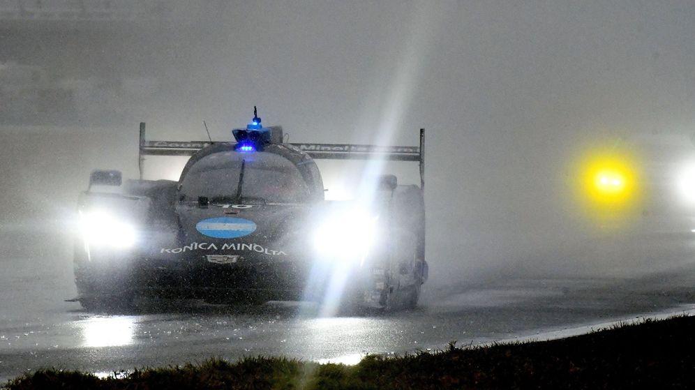 Foto: Las 24 Horas de Daytona en su recta final provocaron mucha tensión tanto en pilotos como en equipos. (EFE)