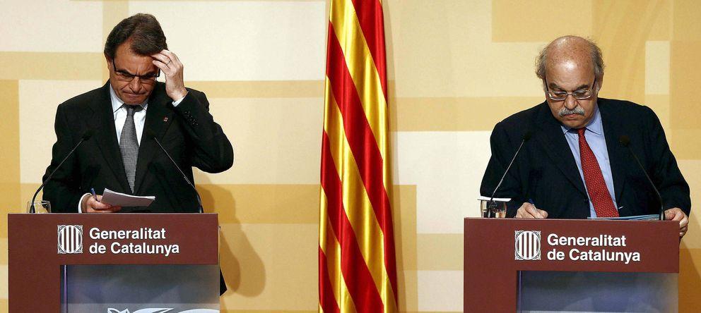 Foto: El presidente de la Generalitat, Artur Mas, junto al conseller de Economía, Andreu Mas-Colell. (EFE)
