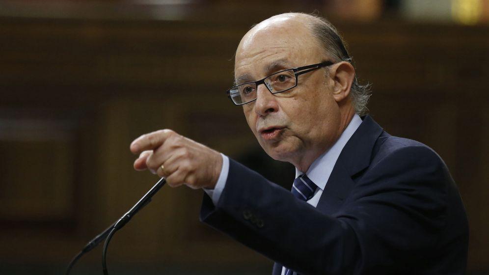 Foto: El ministro de Hacienda, Cristóbal Montoro, en el Congreso de los Diputados. (EFE)