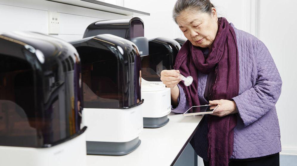 Foto: Helen Lee junto a su invento. (EPO)