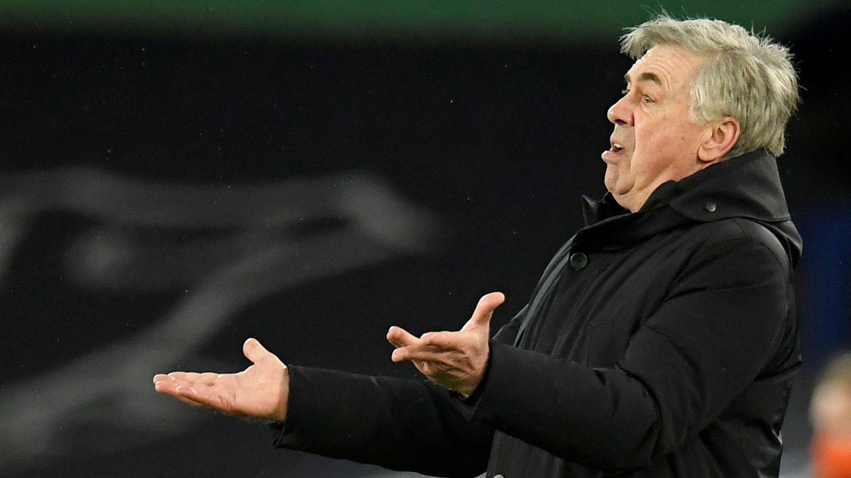 Ancelotti durante un partido con el Everton. (Efe)