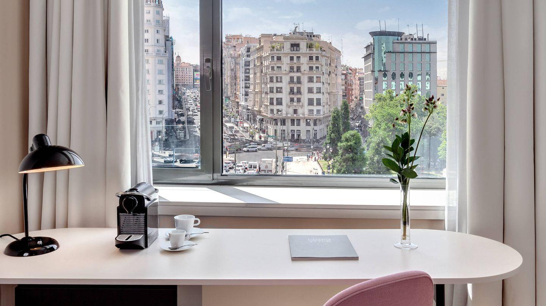 Una habitación con vistas en el hotel Barceló Torre de Madrid.