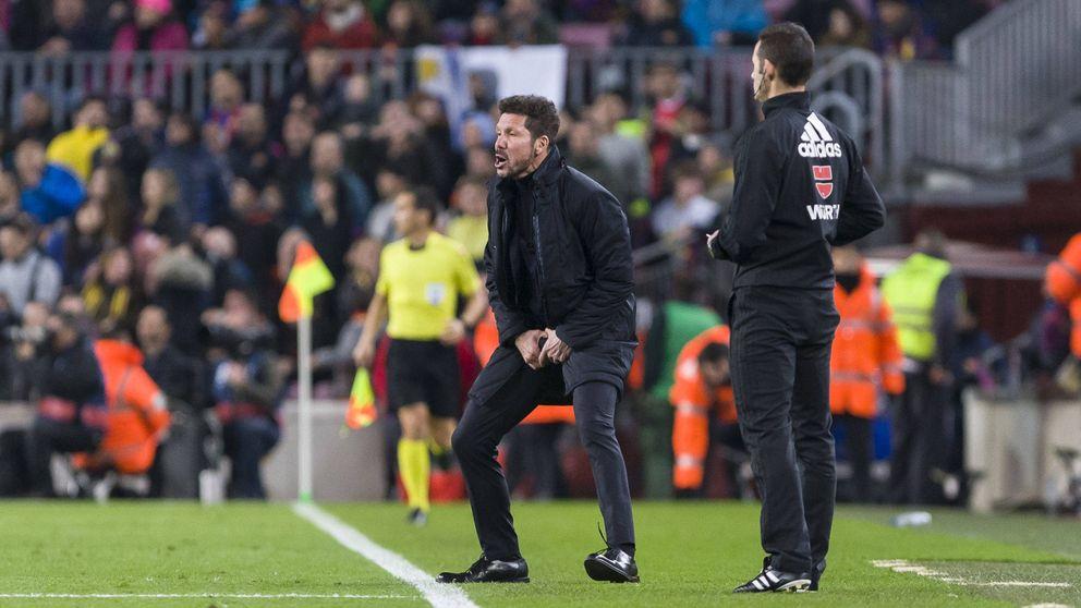 Simeone carga contra los árbitros, mientras llora por el '9' que nunca llegó