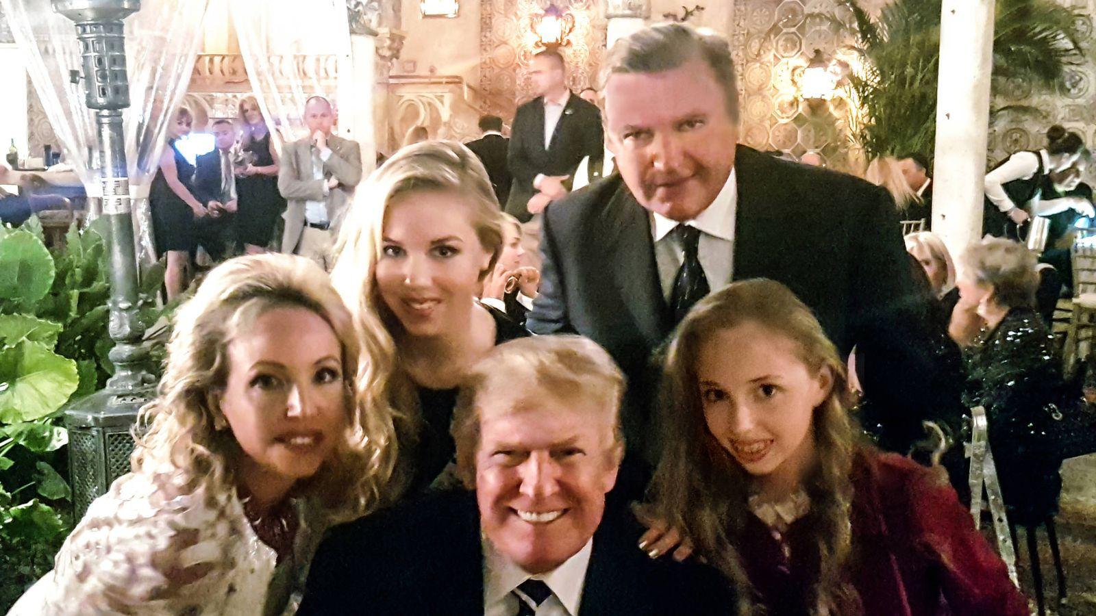Foto: Los Borbón-Dos Sicilias, con Trump.