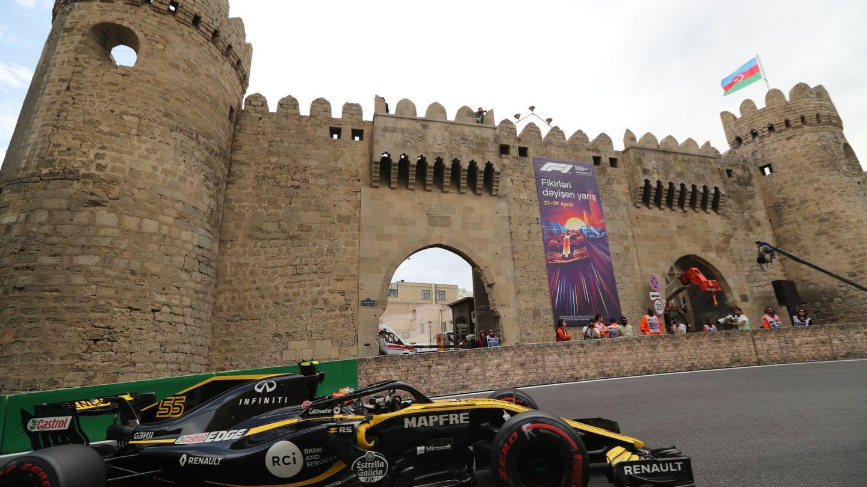 Carlos Sainz acabó 10º, pero saldrá 9º por una sanción a su compañero Hulkenberg. (EFE)