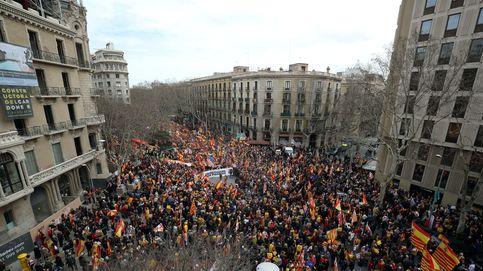 Tabarnia triunfa con su primera manifestación satírica en Barcelona