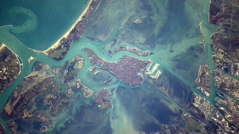 Resultado de imagen para Puedes Reconocer estos Lugares Vistos desde el espacio