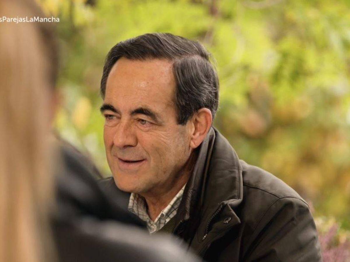 Foto: José Bono, en 'Dos parejas y un destino'. (RTVE)