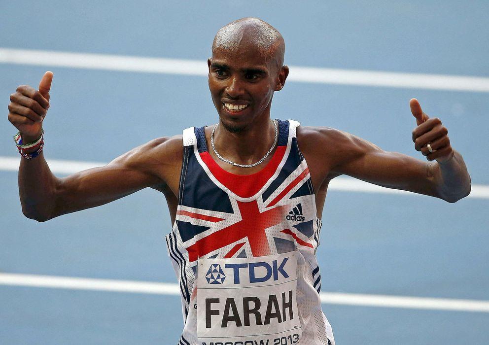 Foto: El corredor, celebrando su victoria en la final de los 10.000 metros masculinos en los Mundiales de Atletismo de Moscú. (Efe/Alberto Estévez)