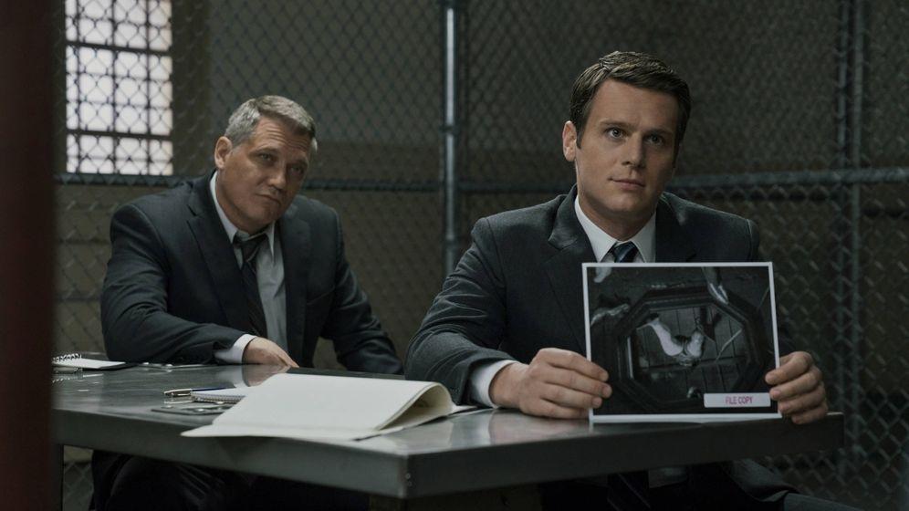 Foto: Holt McCallany y Jonathan Groff son los protagonistas de 'Mindhunter'. (Netflix)