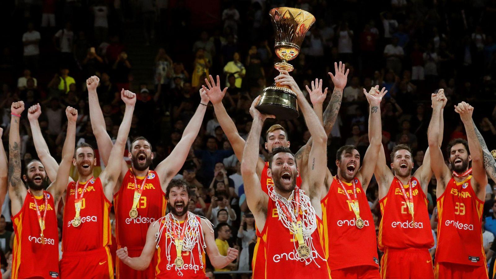 Foto: Los jugadores de la selección española celebran su triunfo en el Mundial. (EFE)