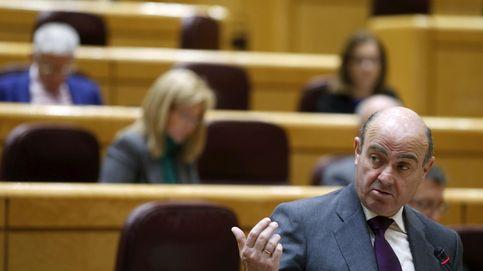 El Eurogrupo retrasa a julio la elección de su presidente y da un respiro a Guindos