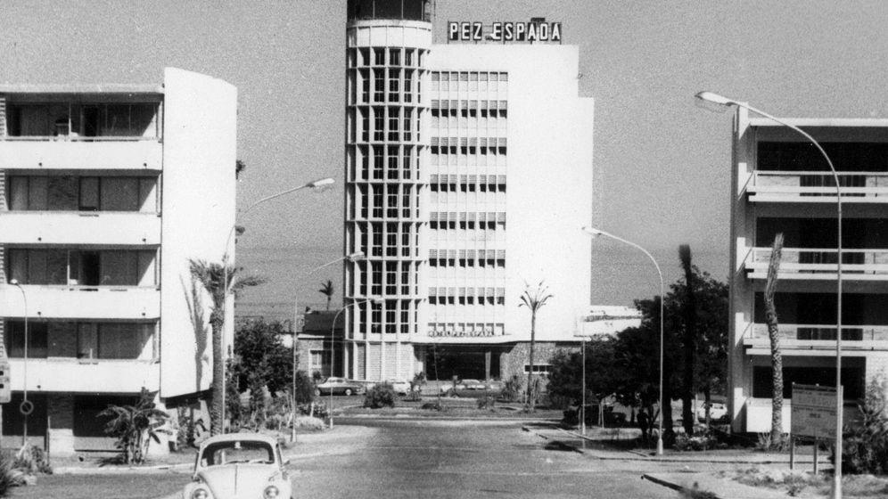 Foto: Hotel Pez Espada, inaugurado en 1959 en Torremolinos, uno de los primeros establecimientos turísticos de lujo de sol y playa en España. (EFE)