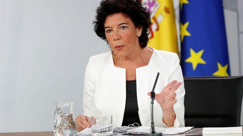 Foto: Isabel Celaá en la rueda de prensa del Consejo de Ministros de este viernes. (EFE)