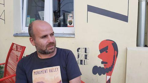 El asesor que pasó asqueado de la política a la literatura: Entré en crisis en la Xunta